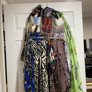 Over 20 different scarfs
